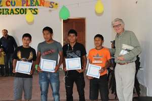 Peruvian youth training for health careers