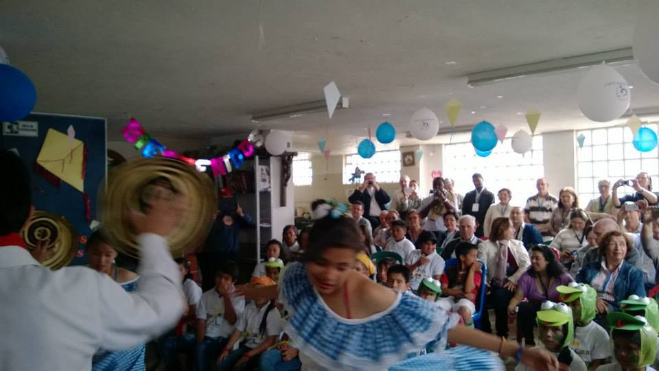 Traditional colombian dances by our children