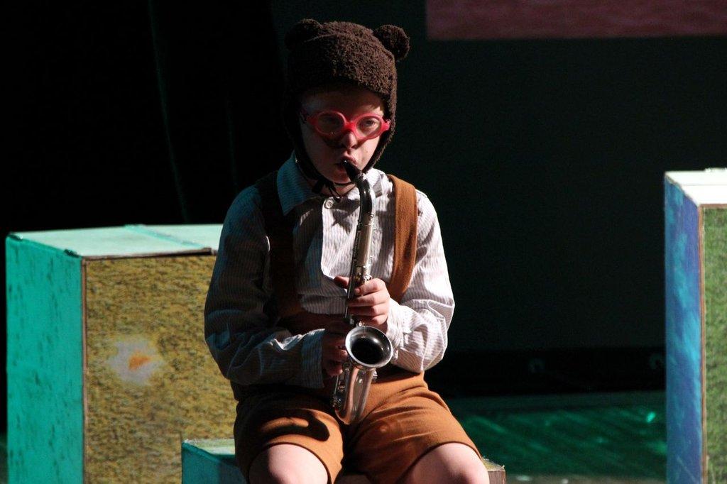 Anton, performing Nephew