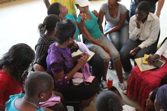 A Community Circle discussion in Bergnek