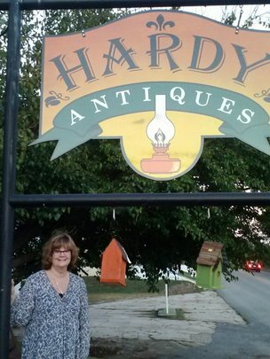 Martha Wilson, Hardy Antiques, shares her story.