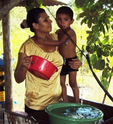Fresh water for a family in Honduras