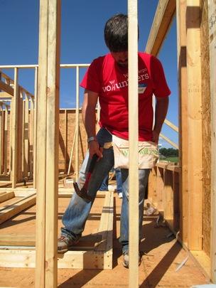 Volunteers help us build homes, communities & hope