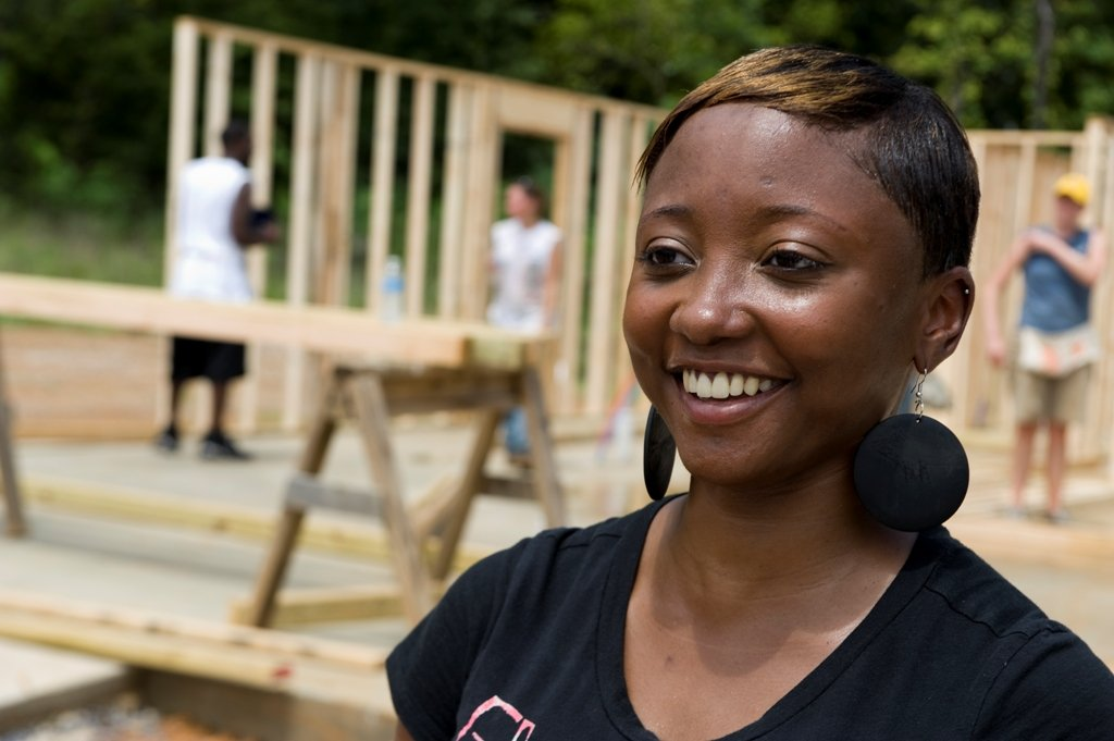 Partner families work alongside volunteers