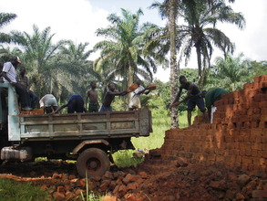 The villagers and laborers transporting bricks