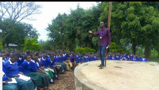 Dibeit Mentoring Youth with Inspiring Speech