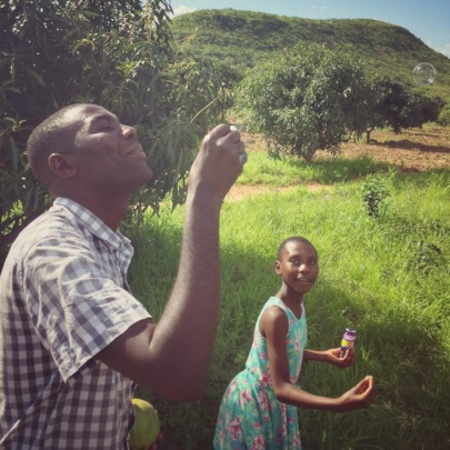 Bubbles with Lucas and Hawa