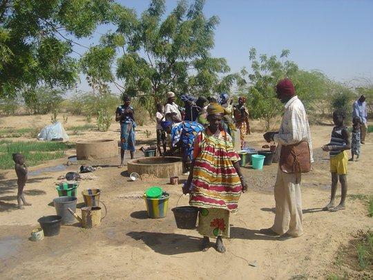 Families prepare to plant crops