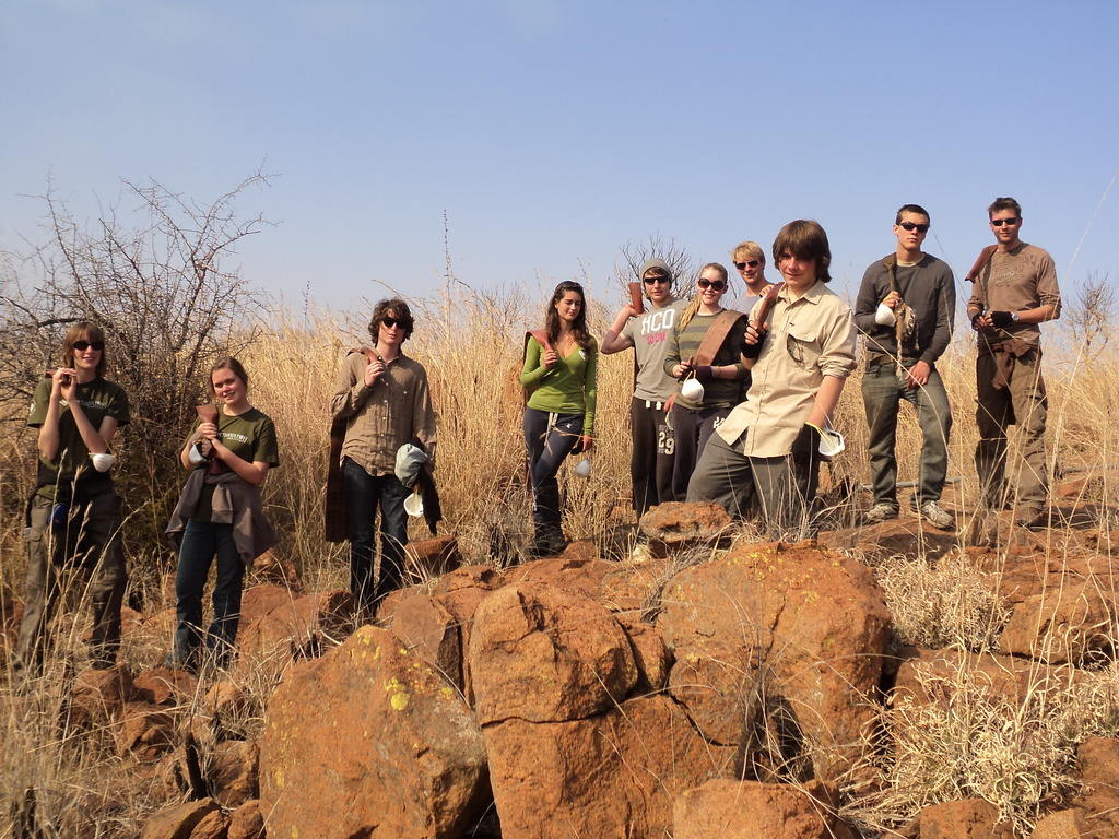 Earthwatch teens help with landscape management