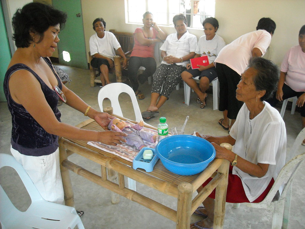 Hygiene kits for Storm Washi families, Philippines