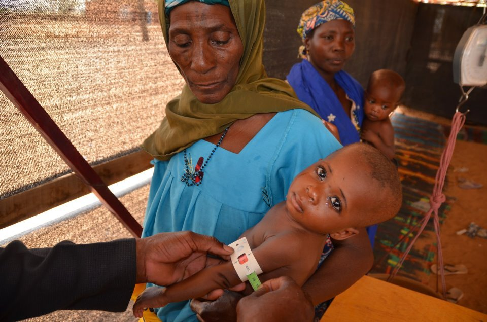 Mom and Baby in Niger seeking treatment