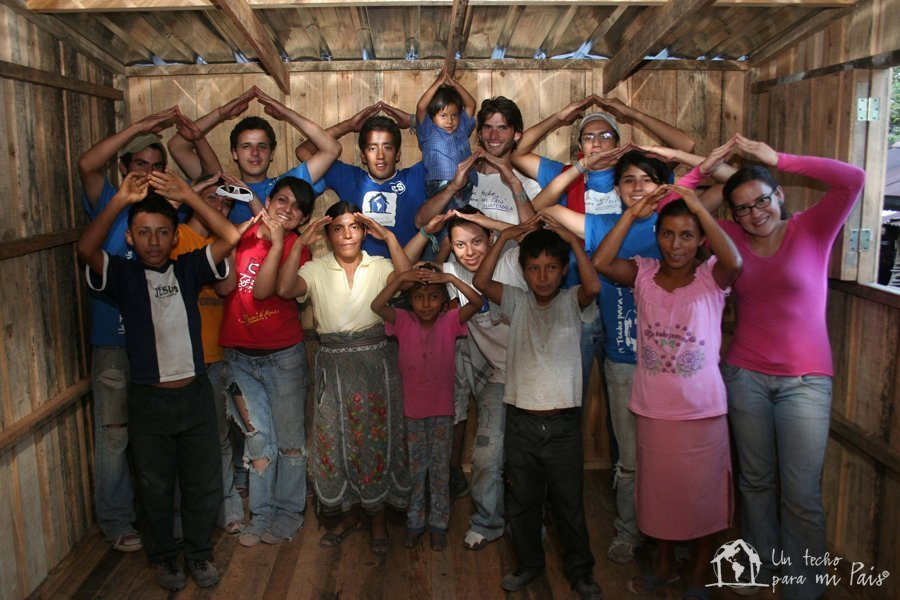 Provide 16 families with a home in Caracas