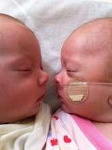 Twins Nico and Kiki