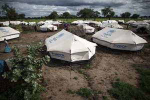 Heavy clouds hang over Jamam refugee camp