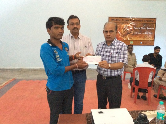 Ex gratia Support being handed to Staff in Pench