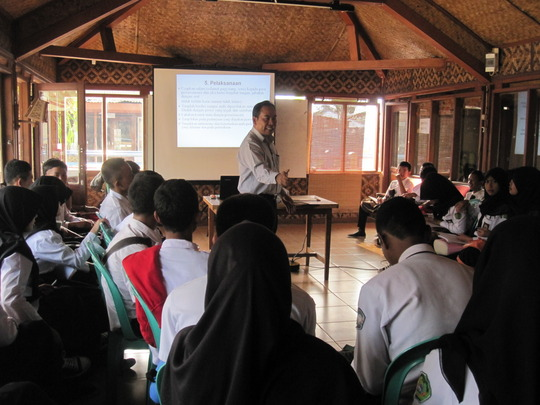 "VTC Workshop:""Job's Interview"",  Speaker Mr. Kadek"