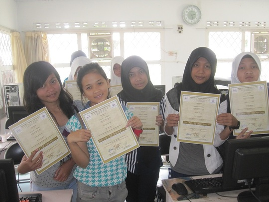 Certificate distribution in Computer class