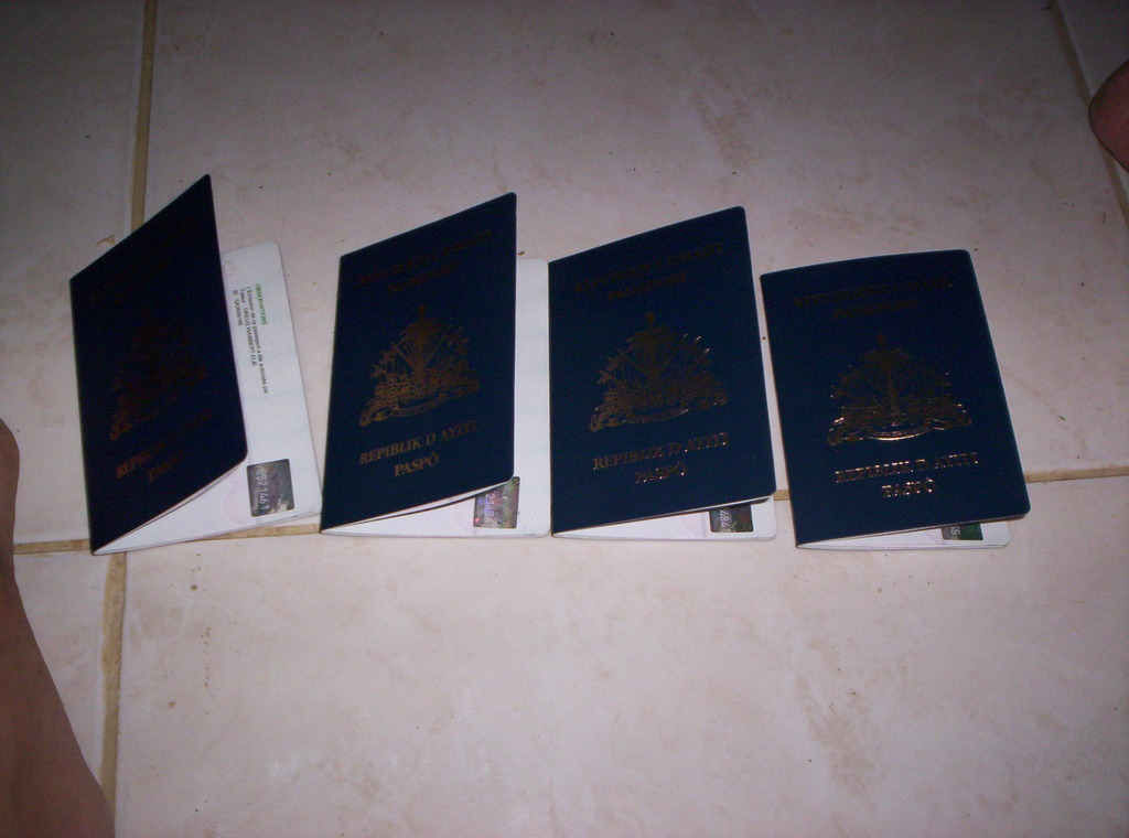 4 passports for students