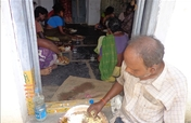 Provide nutritious meal to old destitute people