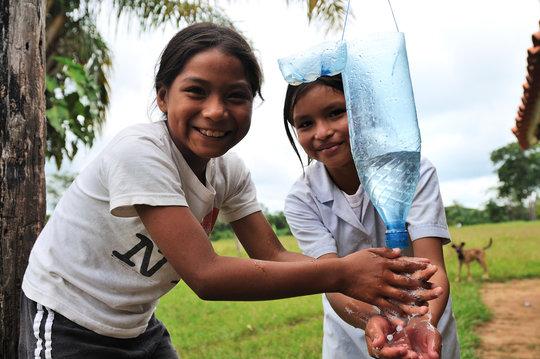 Washing hands, saving water