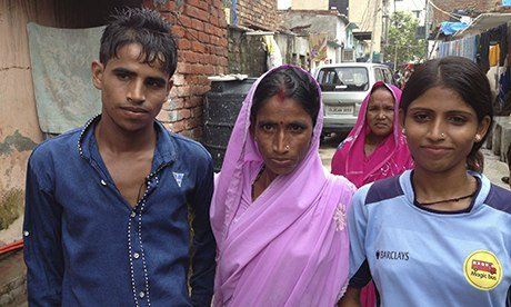 Akhilesh with her brother and mother in Bakkarwala