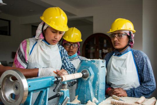 Aspiring Female Carpenters