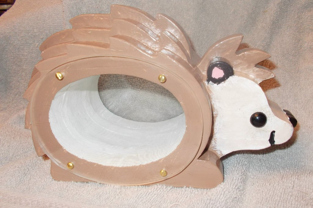 Handcrafted hedgehog Bank