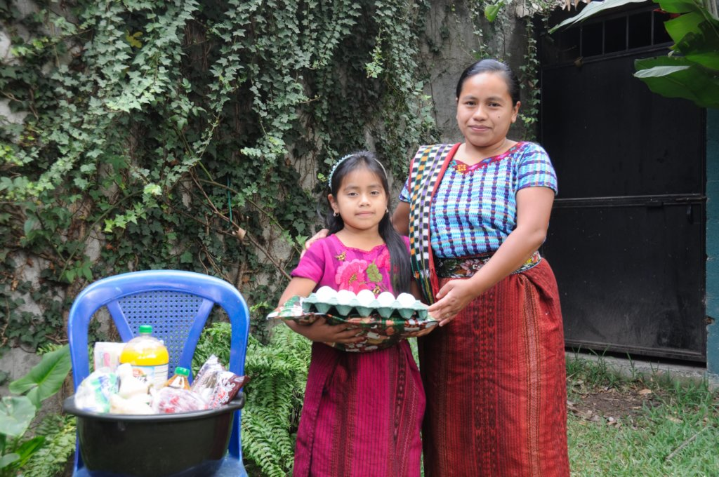 Sponsored student Maria del Rosario and her mother