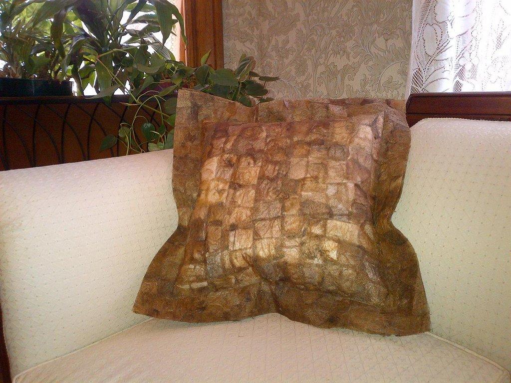 Decorator Pillow made from non-spun textile
