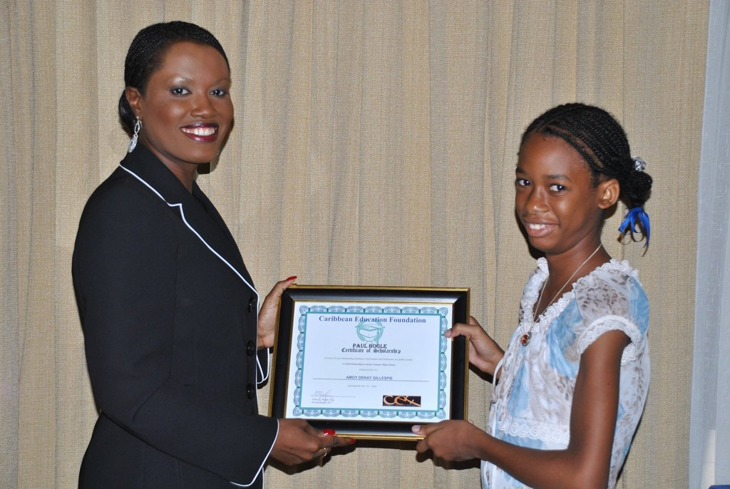 2010: Amoy receives CEF Scholarship from Ms. Bogle