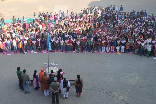 Balsena Children gathered for Flag hosting